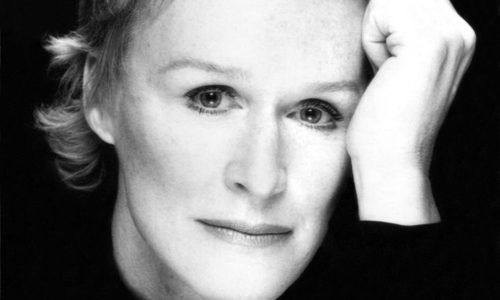 Glenn Close recita a Neruda en inglés.